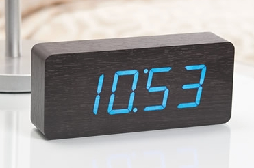 Reloj de mesita de noche reloj despertador rhythm para for Reloj digital de mesa