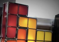 Ilumina tu hogar geek con esta lámpara de piezas de Tetris