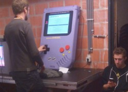 Game Boy XXL, un GameBoy para manos gigantes