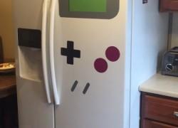 Decora tu nevera como un Game Boy