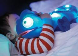 Lámpara y peluche camaleón para niños