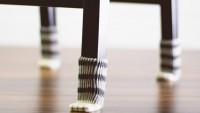 Calcetines para que tus sillas no rayen el suelo