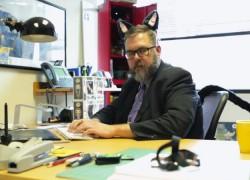 Orejas y cola de gato electrónicas para el disfraz de gato definitivo