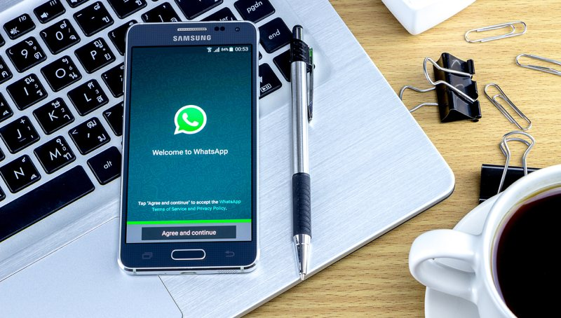 Cómo usar negritas, cursiva y tachado en WhatsApp