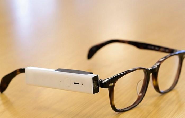 Blincam: la cámara que llevas en las gafas y hace fotos al guiñar un ojo