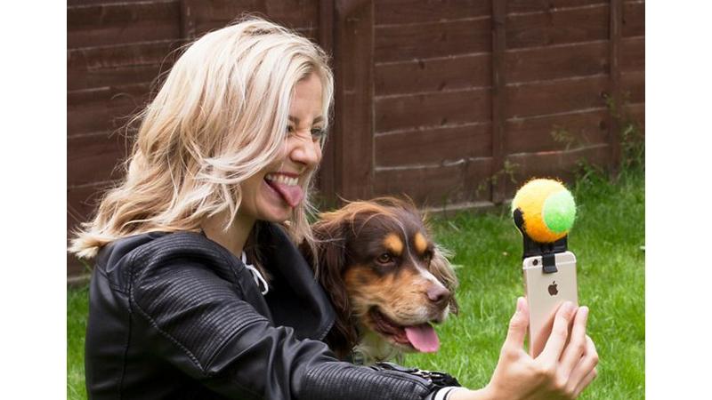 """Un """"palo de selfie"""" para tu perro"""