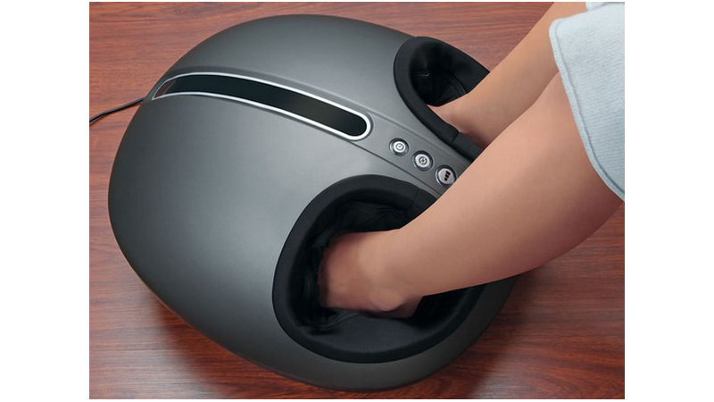 Relaja los pies al llegar a casa con este gadget para masajes