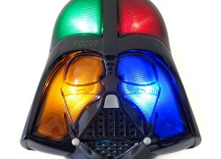 Star Wars Simon: el clásico juego de mesa, en forma de Darth Vader