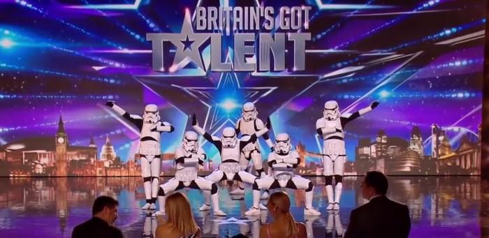 [TGIF] Soldados imperiales para animar el baile en una boda