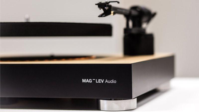 Mag-lev: el primer tocadiscos que flota en el aire