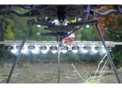 Fantásticas imágenes tomadas con un dron y luces LED