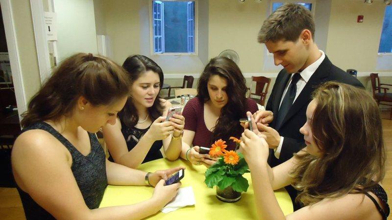 ¿Es posible salir de un grupo de WhatsApp sin notificar?