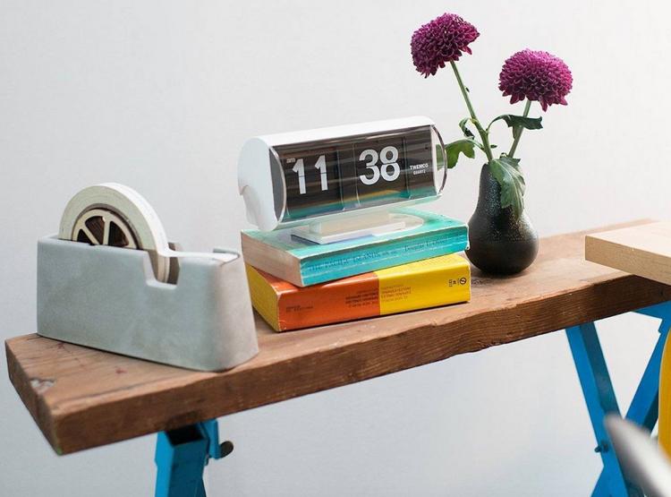 Reloj giratorio analógico para tu escritorio