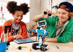 Lego Boost permite a los niños construir robots y aprender a programar