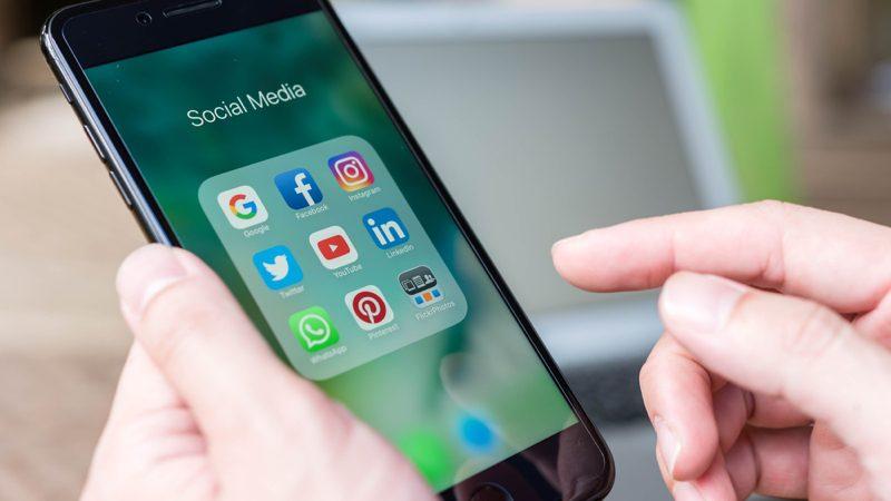Cómo guardar tus datos de Facebook, Twitter, Instagram y Google