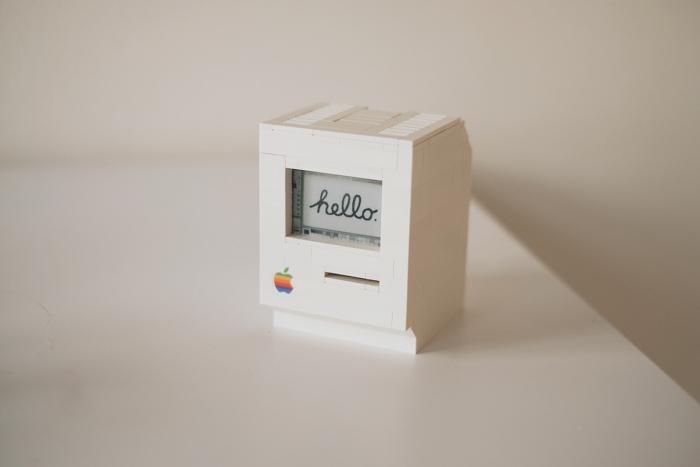 Un Macintosh Classic hecho con LEGO y una Raspberry Pi Zero