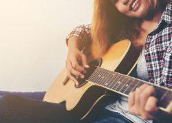 9 apps para aprender a tocar la guitarra y el piano