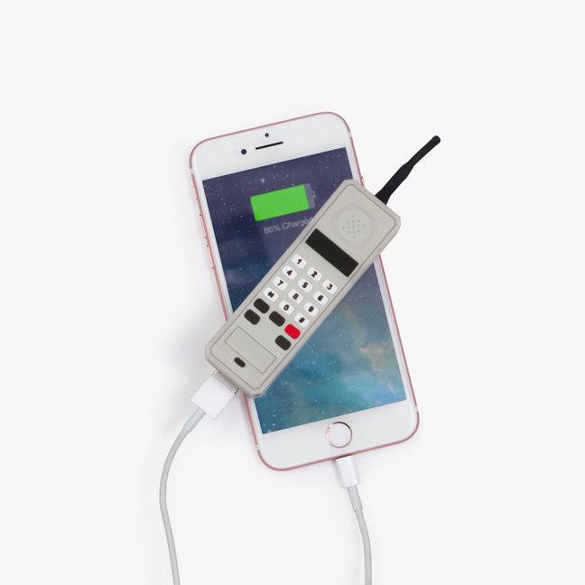 Batería externa para móvil con forma de... móvil