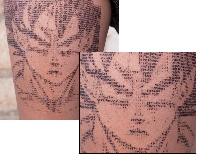 Este chico hace tatuajes... ¡en ASCII!