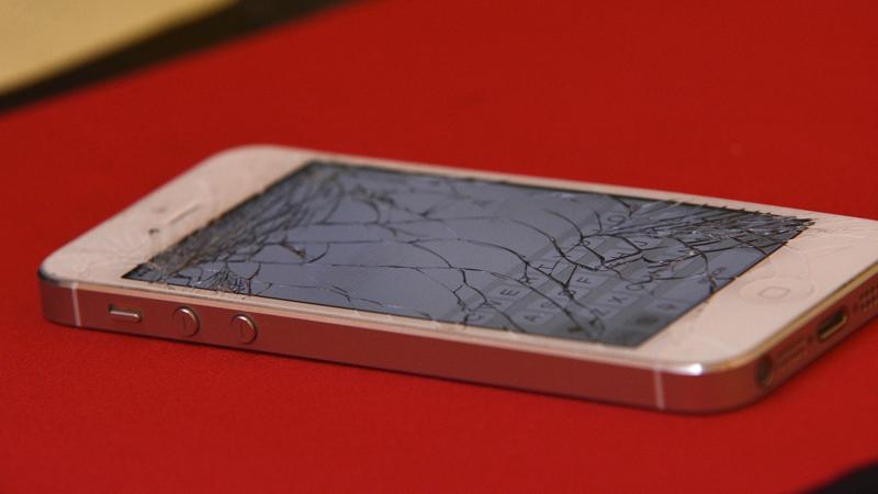 Cómo ahorrar dinero reparando tu propio móvil